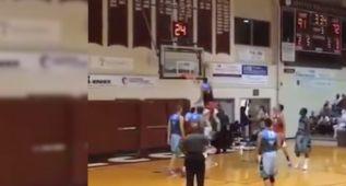 Zach LaVine y su peculiar forma de lanzar un tiro libre