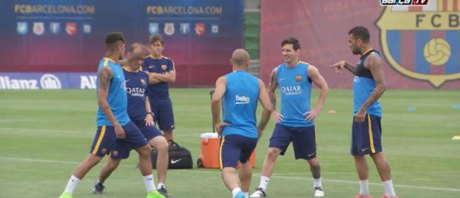 Buen ambiente en la vuelta de Messi y Neymar a los entrenos