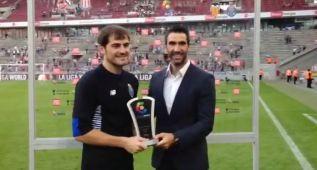 Así recibió Iker Casillas su primer MVP con el Oporto