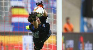 Casillas se luce y para su primer penalti con el Oporto