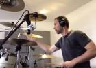 Así se divierte Petr Cech con la batería en su tiempo libre