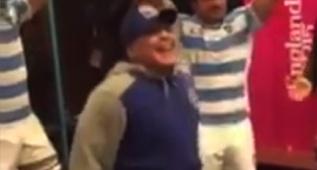 Maradona se desmelena en el vestuario de los Pumas