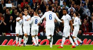 Walcott, Sterling y pleno de victorias de Inglaterra