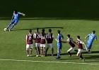 Drogba brilló con tiro libre que se coló en el ángulo
