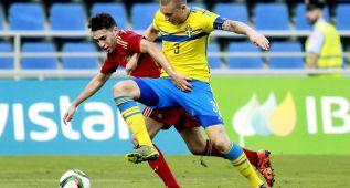 España salva el empate a pesar de la expulsión de Saúl