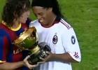 El cariñoso gesto de Puyol con Ronaldinho en el Gamper