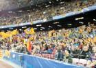 Cánticos y esteladas en el Camp Nou contra la UEFA