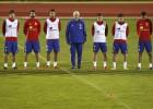 La selección guarda un minuto de silencio en homenaje a París