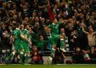 Un doblete de Walters lleva a Irlanda a la Eurocopa