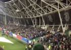 Los hinchas bosnios rompieron el minuto de silencio por París