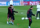 La sutil manera de Sneijder de intentar escaquearse del rondo