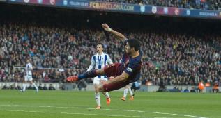 Y Suárez lo volvió a hacer: volea perfecta y gol