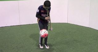 Increíble vídeo del niño del Barça: la trompeta y el balón