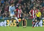 El Málaga no sabe meter mano a un Athletic con diez