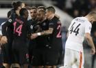 Lucas e Ibra doblegan a un Shakhtar de Europa League