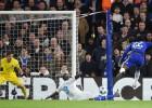 El Chelsea no deja margen a la sorpresa y pasa como primero