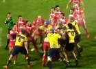 Dos equipos de rugby se lían a golpes tras un feo placaje