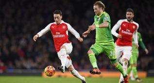 Arsenal: un equipo mejorado con Özil en un gran estado