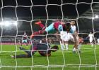 El Swansea cae ante el West Ham y entra en descenso