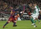 El surrealista penalti que Bikandi pitó de Adán a Messi