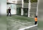 Las clases de Piqué: ¡Cómo le pega el pequeño Milan!