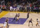 Sin Kobe Bryant, Gordon Hayward abusa de los Lakers