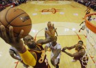 Paseo de Irving y LeBron antes de recibir a Curry