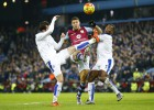 El polémico gol de Gestede roba dos puntos al Leicester