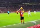 Sneijder dio las gracias a un fan por darle indicaciones