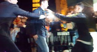 Locura en Málaga por Messi: ¡Un fan se lanzó a abrazarle!