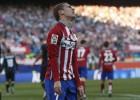 El Atleti encalla contra un Sevilla con diez jugadores