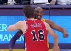 Emocionante abrazo entre dos hermanos: Gasol y Kobe