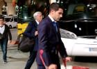 Augusto Fernández, en muletas a su llegada a Madrid