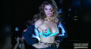 Lo más sexy de la TOP Cindy Crawford sobre la pasarela