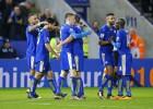Dos golazos de Vardy hacen más líder al Leicester