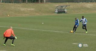 Mancini se apunta al estilo Zidane: golazo 'a lo Romario'