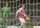 Así se baja un balón de 40 metros: escandaloso lo de Özil