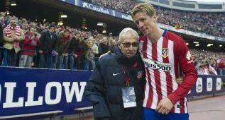 El emotivo momento en el que Torres abraza a su descubridor