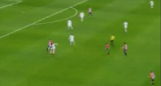 El gif de la ruleta elegante de Isco que coreó el Bernabéu