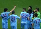 Un jugador del Trabzonspor mostró la tarjeta roja al árbitro