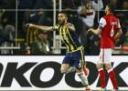 Topal pone en ventaja a un Fenerbahçe superior
