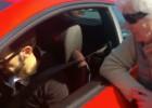Juanfran lució su Ferrari e hizo muy feliz a una abuela