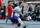 La terrible patada de Medel a Messi en la final de la Copa