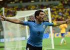 El coraje de Suárez y Cavani rescata a Uruguay en Recife