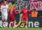 Chicharito finalizó una contra de manual del Leverkusen