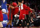 Deng (17-10) y Johnson (25) dan la victoria a los Heat