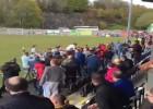 ¡Pelea en Gales entre los aficionados y los jugadores!