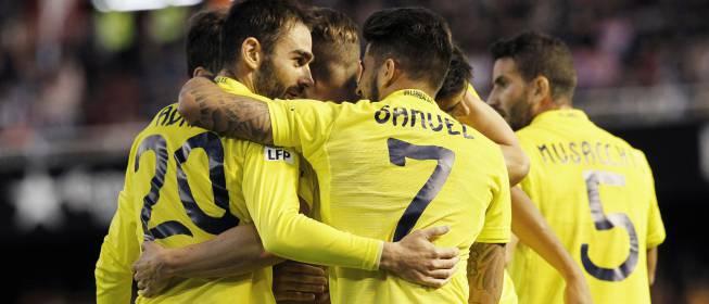 El Villarreal conquista Mestalla y confirma la Champions