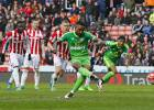 Defoe salva un punto de penalti y el Sunderland respira