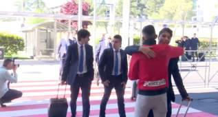 El Atleti no viaja solo: el adiós más entregado de este fan